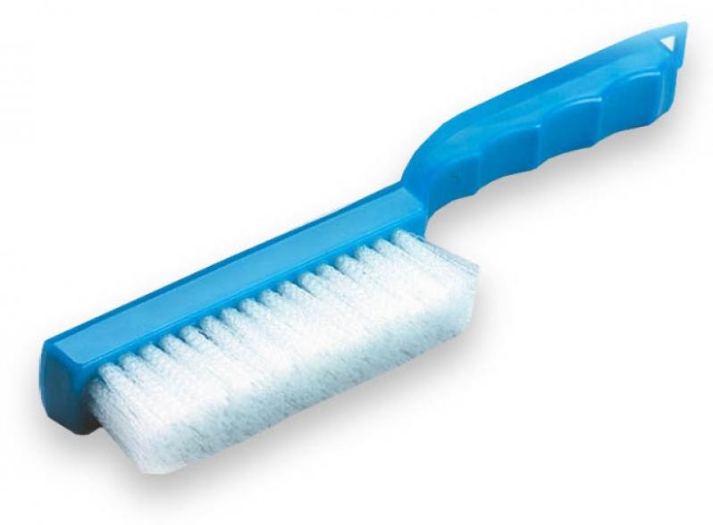 Escova para limpeza de artigos de grande porte